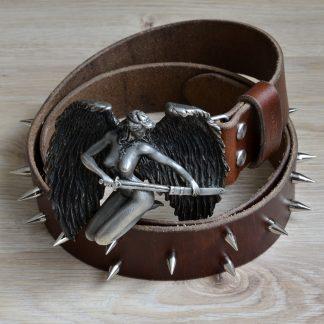 кожаный ремень ручной работы с готической пряхой